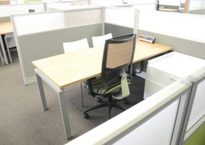tax senior open plan workstation